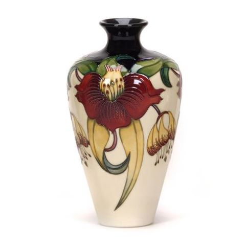 Anna Lily 72/9 Vase by Moorcroft